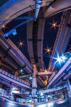 Hakozaki JCT, Shuto Expressway. 箱崎ジャンクション 首都高速 Hakozakicho, Tokyo 2012. 箱崎町 Photo by Sandro Bisaro. #Tokyo #Japan #future_city #cyberpunk #architecture - Flickr