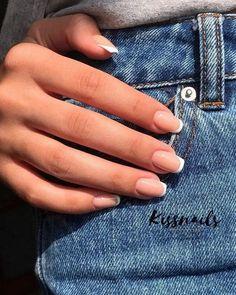 nails french tip - nails french tip ; nails french tip color ; nails french tip with design ; nails french tip glitter ; nails french tip ombre ; nails french tip coffin ; nails french tip acrylic ; nails french tip short Frensh Nails, Nude Nails, Manicures, Coffin Nails, Matte Nails, Diy Nails, Glitter Nails, French Tip Acrylic Nails, Best Acrylic Nails