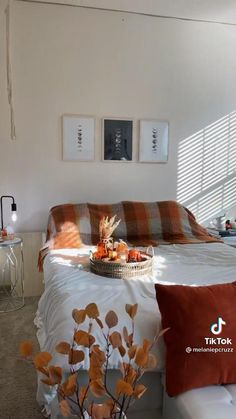 Fall Bedroom Decor, Room Ideas Bedroom, Home Decor, Aesthetic Bedrooms, Fall Is Coming, Autumn Aesthetic, Room Goals, Beauty Routines, Acorn