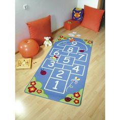 Mit diesem Kinderteppich lässt sich das Hüpfspiel auch an Regentagen betreiben - inklusive kleiner Schalldämpfung ;)