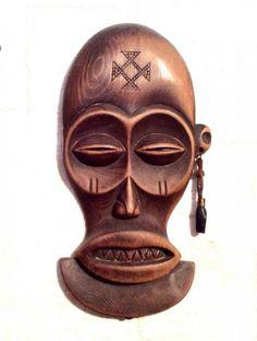 http://rezbaderevo.ru/maski-afrikanskie