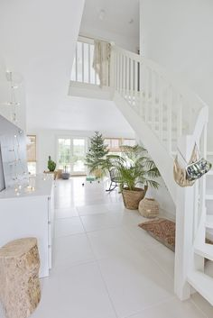 Vicky's home - House on wheels - # Navidad Natural, Sweet Home, Estilo Shabby Chic, Gravity Home, Interior Stairs, Interior Decorating, Interior Design, The White Company, Scandinavian Home