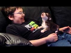 This Incredibly Tiny Husky Puppy Learning To Howl Is The Most Inspirational Thing You'll See Today- SO CUTE!!