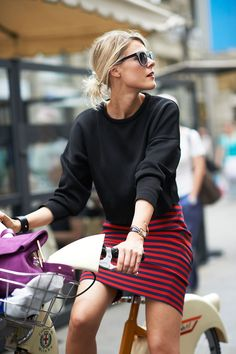 Milano street style-Spring 2014. Someday I have to get a step-through. I love my bike, but a true Dutch bike would be awesome.