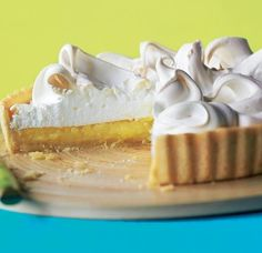 pineapple pie with fluffy whipped topping Asda Recipes, Pastry Recipes, Pie Recipes, Sweet Recipes, Pineapple Pie, Pineapple Recipes, Summer Pudding, Classic Desserts, Places