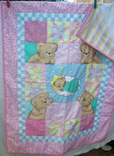 decided to make a new board for baby things, take a look at this cute quilt.