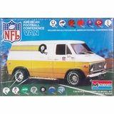 Monogram Models, Chevy Van, Plastic Model Cars, Panel Truck, Football Conference, Vintage Models, Model Kits, American Football, Box Art