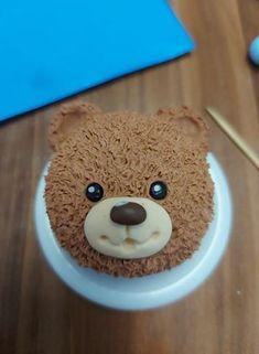 prilepime nostek a oči Gingerbread Cookies, Cake, Desserts, Gingerbread Cupcakes, Tailgate Desserts, Deserts, Kuchen, Postres, Dessert