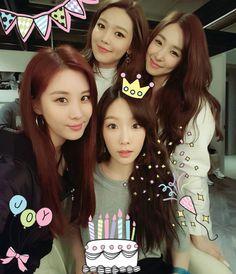 """"""" seojuhyun_s: Happy Birthday 탱구언뉘❤  생일축~하~합니다아~생일 축~하 합니다~~사랑하는 태연언니이이~생일축하합니다아아꺅꺅  짝짝짝  """"[trans by SonexStella] Happy Birthday Taengoo unnie❤  Happy~ birthday to you~~ Happy~ birthday to you~~ Taeyeon unnie who I love~  Happy birthday to you..."""