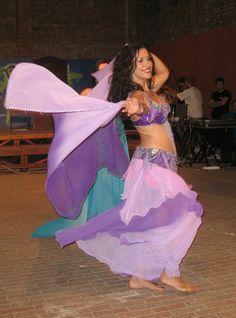 #gioia e #leggerezza! Danza #orientale con il #velo a Spazio Aries