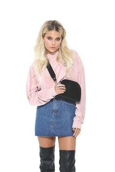 Luna Fashion, Elizabeth Olsen, Queen, Pretty Girls, Denim Skirt, Cute Pictures, Actresses, Celebrities, Pista