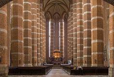 Wnętrze nyskiej bazyliki