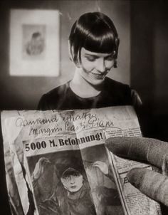 Louise Brooks with 5000DM reward headline...