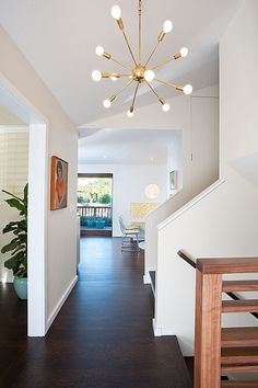 Moraga Residence - modern - entry - other metro - Jennifer Weiss Architecture Modern Entry, Mid-century Modern, Modern Hallway, Modern Spaces, Modern Table, Style At Home, Mid Century Light Fixtures, Modern Baseboards, Mid Century Modern Lighting