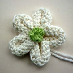 Knitted Flower Tutorial