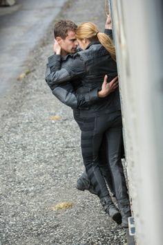 Die Bestimmung - Divergent Tris (Shailene Woodley) und Four (Theo James) © 2014 Concorde Filmverleih GmbH
