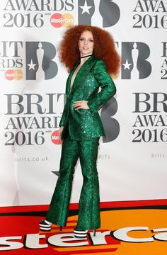 Jess Glynne Glitters In A Green Suit at BRITs Photo Jess Glynne goes back to the with a bright green suit and big hair at the 2016 BRIT Awards at The Arena on Wednesday night (February in London, England. Fleur East, Green Suit, Green Dress, Superstar, Brit Awards 2016, Jess Glynne, Alesha Dixon, Star Wars, Armani Prive