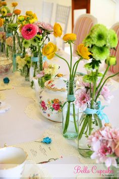 Bella Cupcakes: Surprises!! Baby shower - High tea style