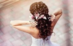 Beautiful wedding curls