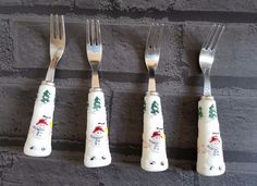 Pfaltzgraff Snow Village Hours D'ourves Appetizer Forks set of 4 CHRISTMAS  #Pfaltzgraff #Holiday