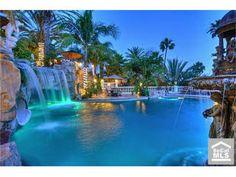 amazing pool in california