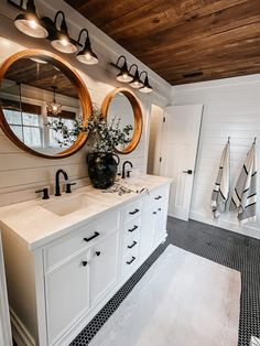 Shiplap Bathroom, Bathroom Renos, Bathroom Renovations, Remodel Bathroom, Budget Bathroom, Interior Exterior, Bathroom Interior Design, Next Bathroom, Bathroom Small
