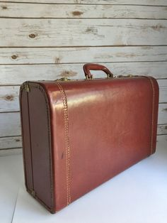 Vintage Suitcase Tommy Traveler Leather by VivaTerraVintage