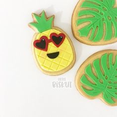 Fondant pineapple and palm tree cookies by Little Biskut on satinice.com! Tree Cookies, Sugar Cookies, Satin Ice Fondant, Baby Shower Decorations For Boys, Gum Paste, Celebration Cakes, Disney Princesses, Pineapple, Palm