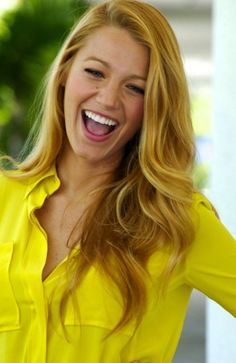 Blake Lively is just too gorgeous! I would live to have her hair for a day...just one!