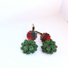Tartan fabric flower earrings cameo dangle by BrandlessBerta, €24.20