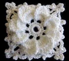 Crochet : Formando un Cuadrado con la Flor de 8 Petalos  Crochet eight-petal flower