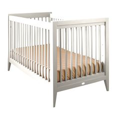 The Devon Crib is inspired by the clean lines and superior craftsmanship of traditional Shaker-style furniture. This simplicity translates easily to both modern and traditional interiors. This crib with a wide variety of standard color options. All Newport Cottages products are made in the USA.