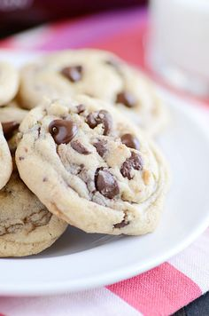 Hershey's Soft & Chewy Chocolate Chip Cookies