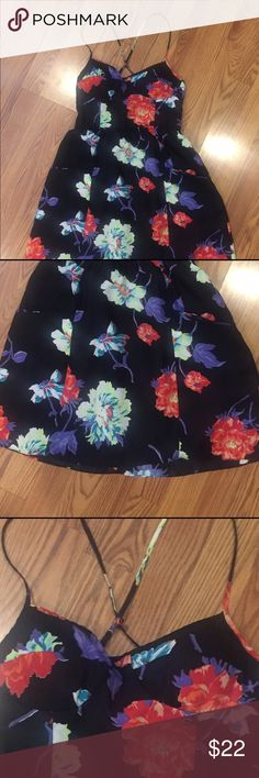 "Floral sexy dress Floral sexy dress. Worn once . Has soft cups built in so you can go without a bra, it also has pockets!!! Sz med I'm 5'2"" and it hits me just above the knee . Dresses Strapless"