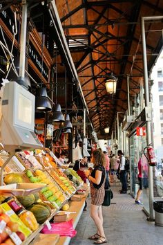 Mercado de San Miguel Madrid - A foodie spot you don't want to miss in Spain // localadventurer.com