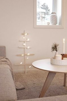 Christine Sveen: Juletrekalender og -dekor.