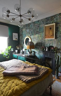 35 Amazingly Pretty Shabby Chic Bedroom Design and Decor Ideas - The Trending House Bedroom Green, Home Bedroom, Master Bedroom, Bedroom Decor, Wall Paper Bedroom, Green Bedrooms, Bedroom Colors, Bedroom Ideas, Le Living