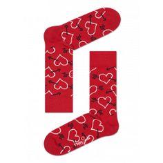 Cupido heeft in de roos geschoten met dit paar Arrows en Hearts-sokken. Tegen een rode achtergrond tekenen contouren van witte harten en zwarte pijlen zich af in het landschap. Het levendige ontwerp is gemaakt van gekamd katoen voor nauwkeurige patroonvorming en een lekker zittende pasvorm. Mannen en vrouwen over de hele wereld kunnen dit charmante paar sokken toevoegen aan hun sokkencollectie.