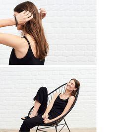 Diese junge Frau hat einen sehr unkomplizierten look. Der Stil ist lang und fliessend, mit einfachen Linien, um dem Haar mehr definition. Die Frisur i...