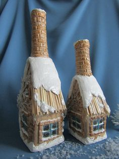 snow frosted bottle I'm thinking I'm not talented enough to paint this, but could put a Thomas Kincaid pic & still do the snow! Blue Glass Bottles, Recycled Glass Bottles, Glass Bottle Crafts, Painted Wine Bottles, Bottles And Jars, Wine Bottle Design, Wine Bottle Art, Diy Bottle, Clay Fairy House