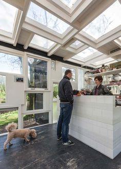marktplaats.nl http://idesignme.eu/2013/04/un-green-bar-ad-amsterdam/ #design #amsterdam #bars #nord #europeandesign #trends #green #light #grass #windows