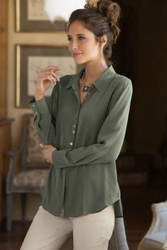 Divine in the softest silk, our Silk Sasha Shirt has a beautiful box pleat back detail and a dropped-tail curved hem.