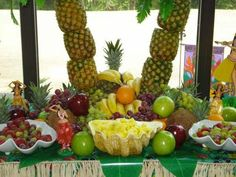 Graduation Food Display | Centerpieces Indoor Reception Wedding Reception Photos & Pictures ...
