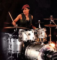 Cindy Blackman - see women can play drums!!!!