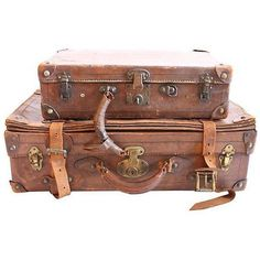 Vintage Leather Suitcase Set (570 CAD) ❤ liked on Polyvore featuring home, home decor, decorative objects, vintage home decor, vintage home accessories and leather home decor