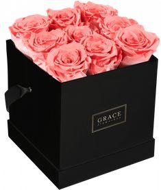Handgemachte Flowerbox mit haltbaren Rosen, die bis zu drei Jahre blühen. Schnell und sicher online bestellen. Bouquet, Box, Flowers, Gifts, Profile, Snare Drum, Presents, Florals, Boxes