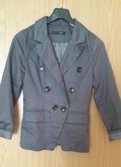 Kaufe meinen Artikel bei #Kleiderkreisel http://www.kleiderkreisel.de/damenmode/blazer-blazer/148559407-grauer-blazer-mit-schwarzen-knopfen