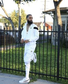 Hip Hop Fashion, Mens Fashion, Lauren London Nipsey Hussle, Young And Rich, Handsome Black Men, Hip Hop Art, Big Men, Black Love, Black People
