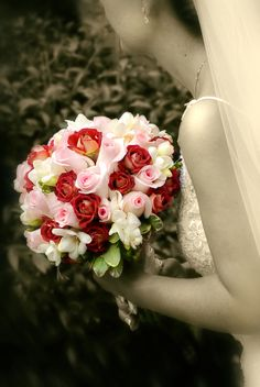 Pink and chocolate roses  Bridal bouquet  Persian wedding  Country Club of the South  www.anikdesigns.com