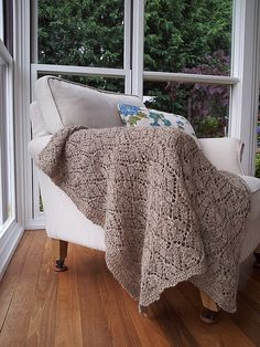 Ravelry: Brownie's Dayflower Throw pattern by Cath Ward